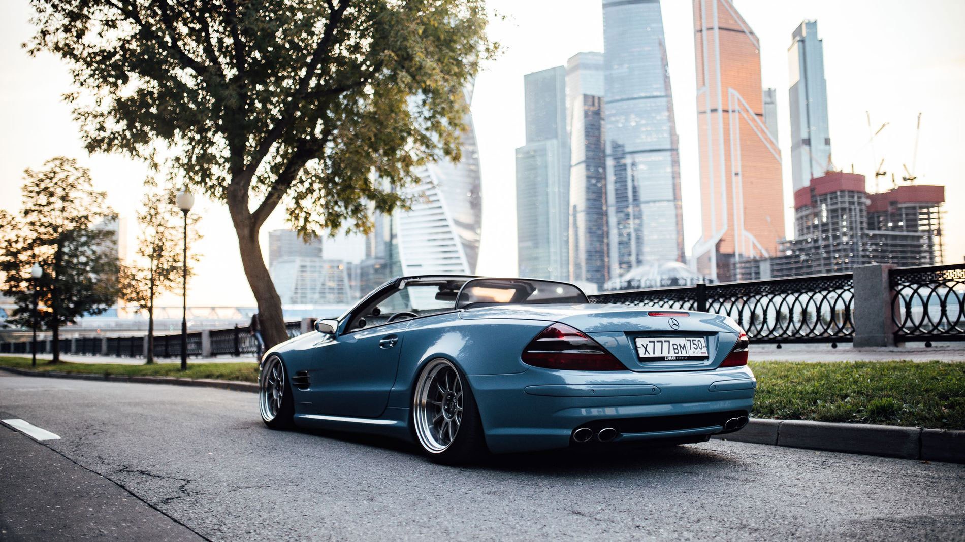 Mercedes-Benz AMG R230 Lowdaily