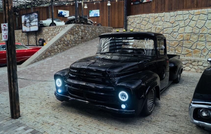 Музей автомобильного искусства в Ялте